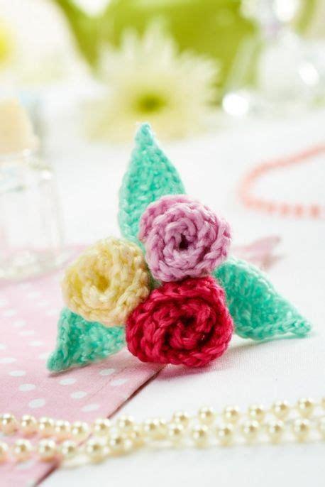free knitted flower brooch patterns floral brooch free pattern crochet flowers