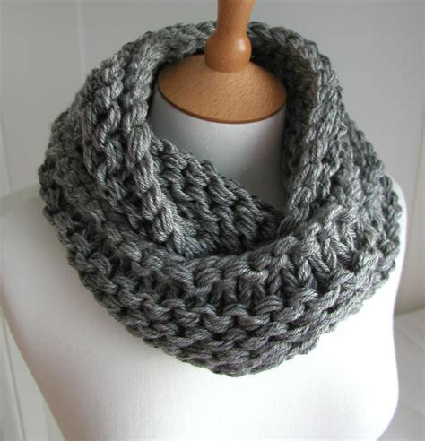 knitted chunky infinity scarf pattern craftdrawer crafts trends in knitting top 10 free