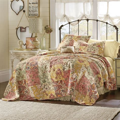 French Country Bedroom Decorating Ideas french country d 233 cor amp decorating ideas for the bedroom