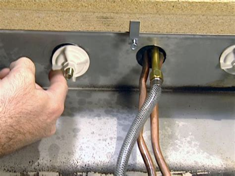 how to tighten kitchen sink faucet how to tighten kitchen faucet nut sink wow