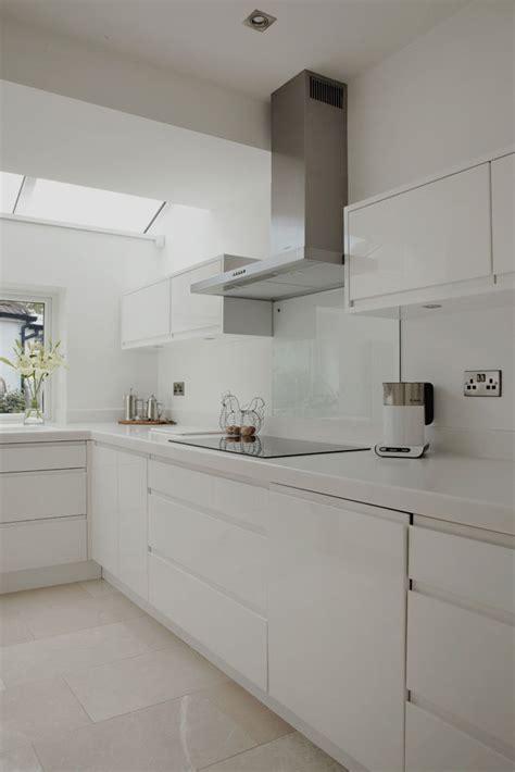kitchen worktop designs best 25 white gloss kitchen ideas on worktop