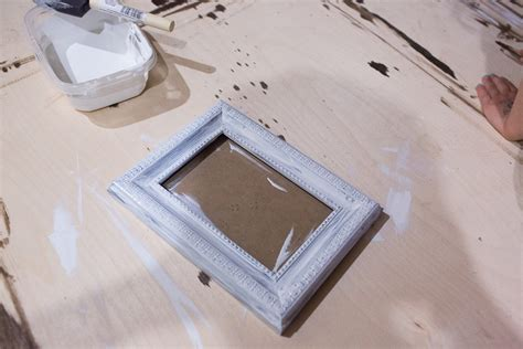 diy chalk paint picture frame diy chalk paint frame for your pet