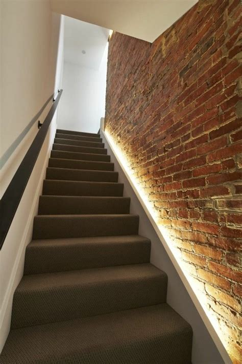 cage d escalier cuisine moderne et de couleur blanche fra 238 che et avenante escaliers couloirs