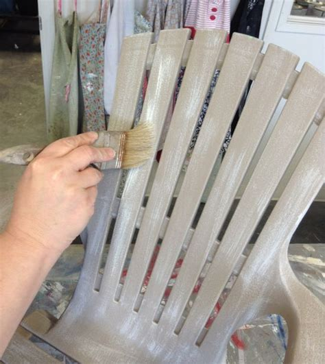 chalk paint on plastic 17 best ideas about painting plastic chairs on