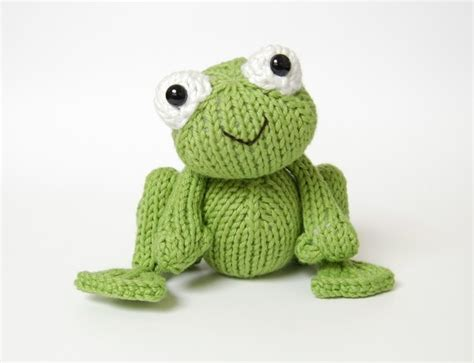 frog knitting pattern free in the spotlight designer oliver creative