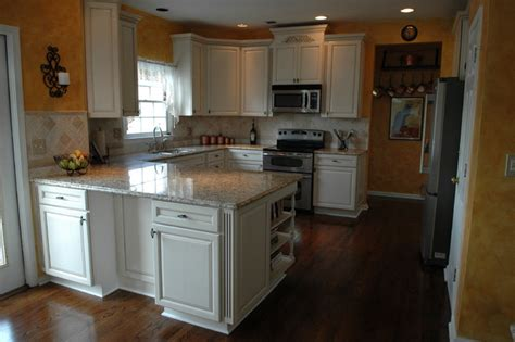 lowes kitchen design center woodvale maple square in canvas with coco glaze by