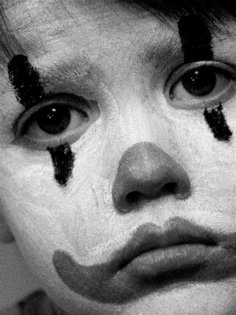 sad pictures sad clown by pansyredbooties on deviantart
