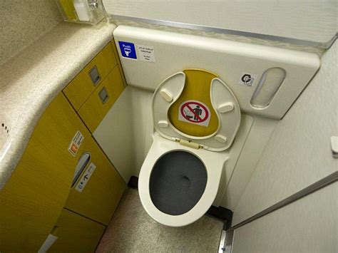 Materiel De Cing Toilette by Ryanair Reaps Benefits Of Being Nicer To Customers With 66