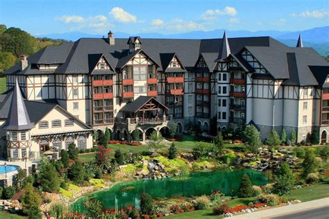 tree inn pigeon forge tn the inn at place pigeon forge tn 2018 hotel