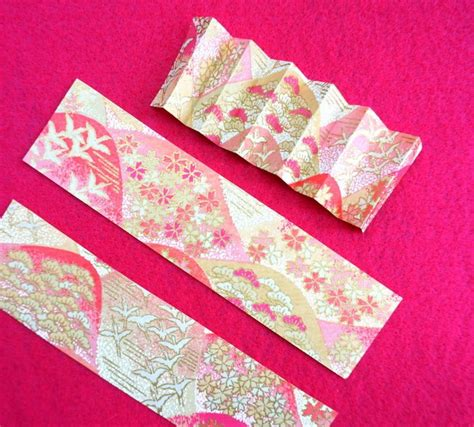 cutting origami pretty in pink favors with 80s deco flair mirror80