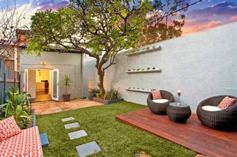 small backyard landscape design ideas small courtyard decking ideas backyard design ideas