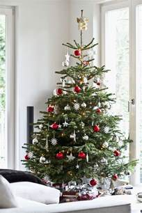 how to decorate a real tree 25 unique real tree ideas on