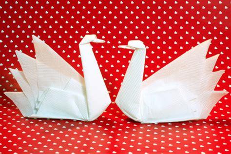 napkin folding origami origamisan origami napkin folding swan