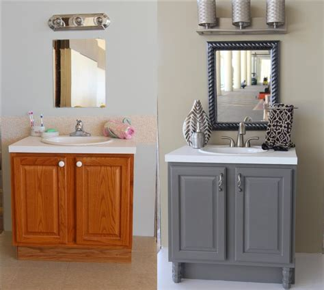 Bathroom Vanity Makeover Diy by Best 25 Painting Bathroom Vanities Ideas On