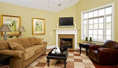 paint colors for living room with brown trim what color curtains with light yellow walls choosing