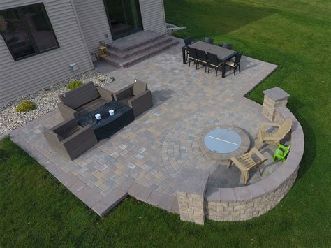 paver patio with pit paver patio with large staircase and grilling station