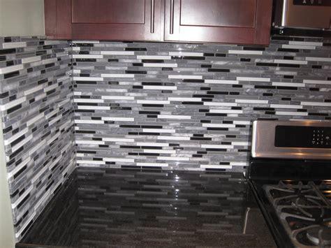 backsplash glass tile designs 100 glass tile kitchen backsplash designs kitchen