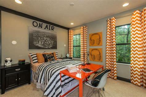 decoracion recamara beige dormitorio para adolescentes con pared beige con cuadro