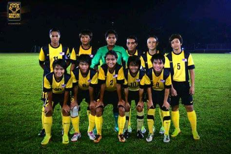 sepak bola wanita ums staff and student selected to represent malaysia in