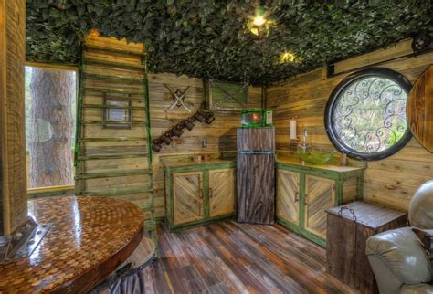 best treehouses best tree houses interior
