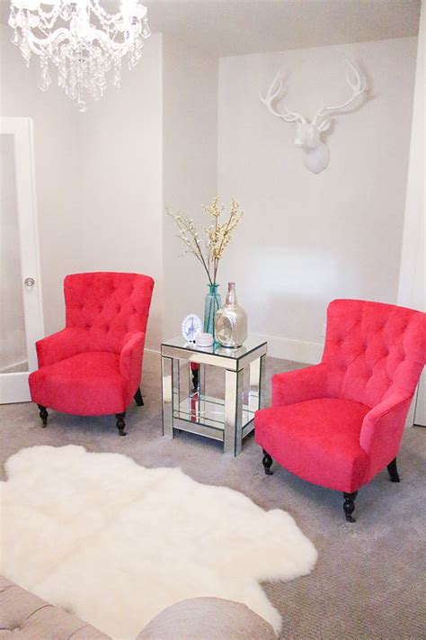 Fuschia Accent Chair by New Fuchsia Chairs In My Living Room A Slice Of Style