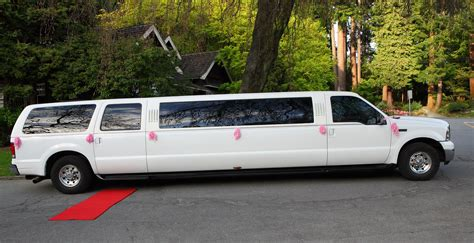Limo Rental Service by Wedding Limo Vancouver Vancouver Limo Wedding Limousine