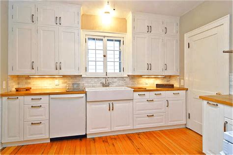 kitchen cabinet knobs or pulls what type of cabinets door knobs do you prefer