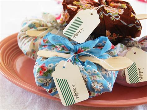 easy gifts for adults ideas for easy cheap diy favors hgtv