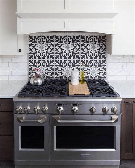 back splash tiles 25 best ideas about kitchen backsplash on