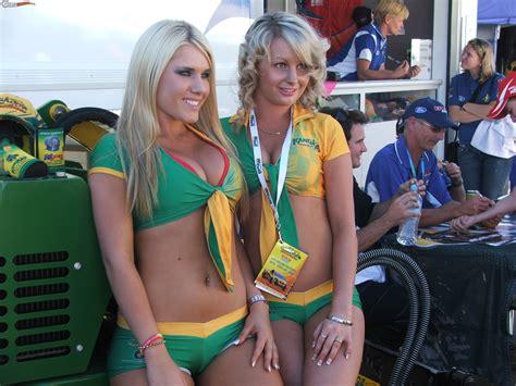 v8 supercars promo girls boostcruising