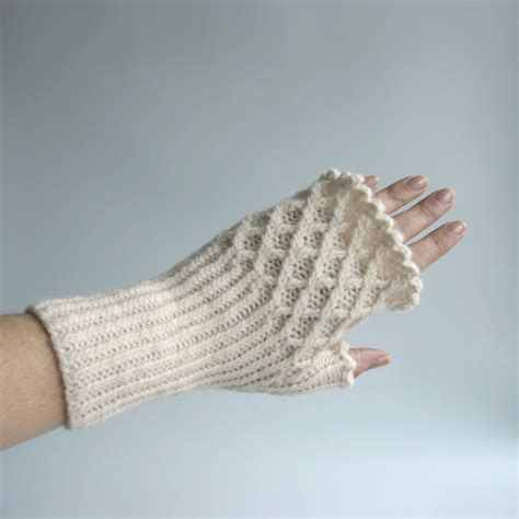 fingerless gloves knitting pattern free knit pattern trellis fingerless gloves knits prints