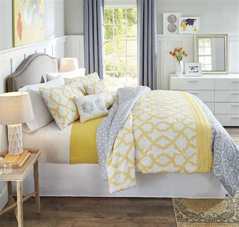 yellow bedding set best 25 yellow bedspread ideas on yellow