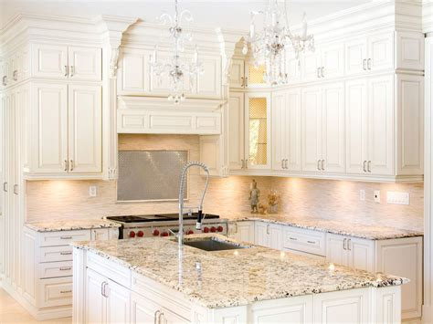 pictures of kitchen with white cabinets beautiful white kitchen cabinets with granite countertops