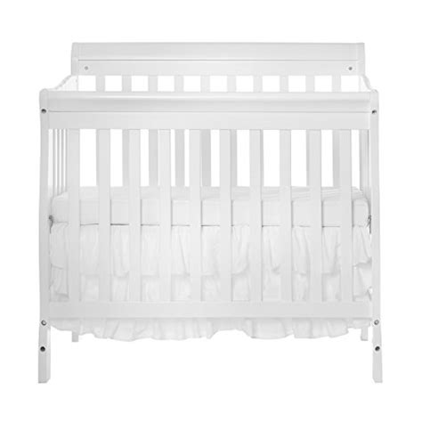 mini cribs for small spaces best cribs for small spaces america s top mini cribs