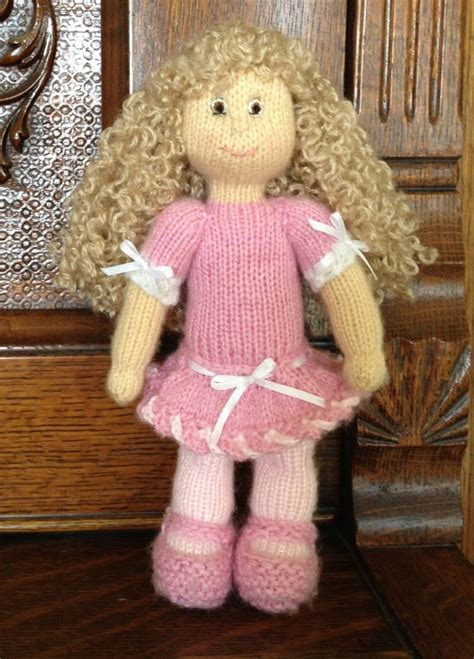 how to make a knitting doll pin by sue on make it knits and yarn