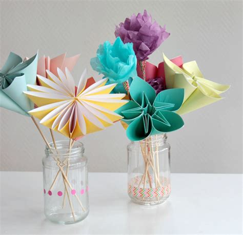 paper craft of flowers make a bouquet of beautiful paper flowers for s day