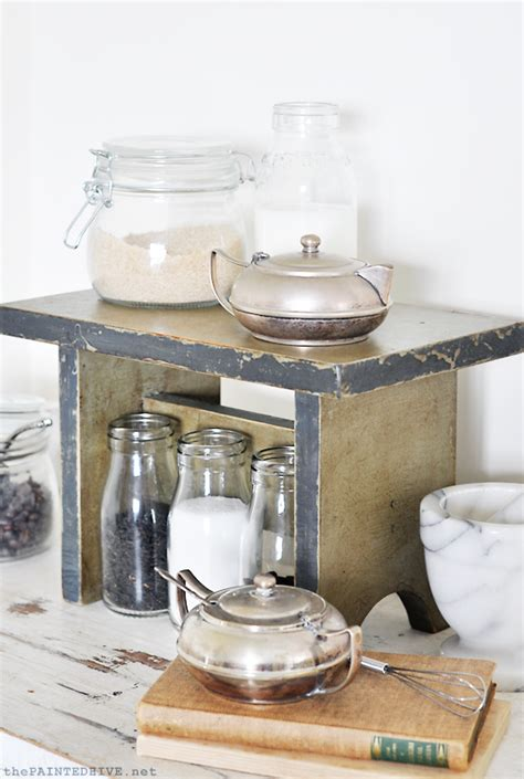 chalk paint distressing tutorial the painted hive chalk paint tutorial distressed
