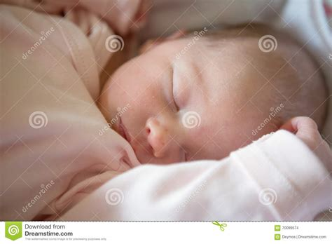 how to get a free baby crib 98 how to get a baby to sleep in crib royalty