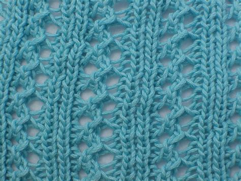 lace scarf patterns knitted free kriskrafter free knitting pattern wiggle lace scarf