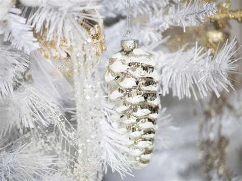 all white tree decorations white tree decorating ideas easy crafts and