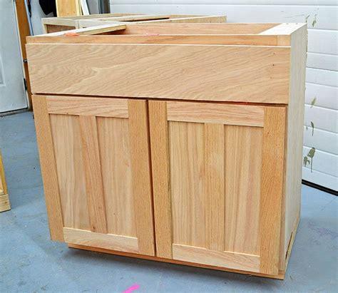 how to build kitchen cabinet doors pdf diy building kitchen cabinet doors plans bunk