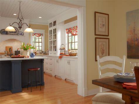 farmhouse kitchen layout details in a farmhouse kitchen kitchen designs choose