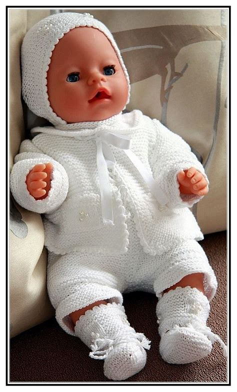 free knitting patterns for 18 inch baby dolls 1000 ideas about crochet doll clothes on