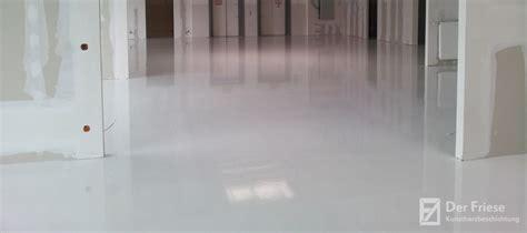 betonfußboden selber machen epoxidharzboden strapazierf 228 hige bodenbeschichtung