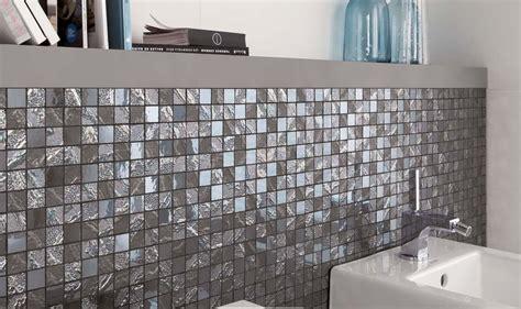 carrelage salle de bain mosaique et frise carrelage