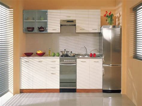 kitchen cabinets for small spaces small kitchen cabinets cool ideas for small space