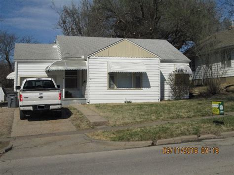 2 bedroom 1 bath house for rent 116 w 15th emporia ks 2 bedroom 1 bath house for rent
