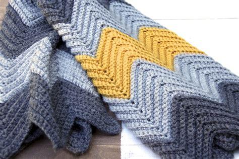 zig zag knitted blanket pattern pattern chevron zig zag baby blanket pattern