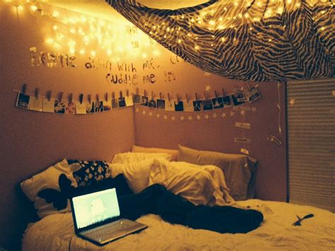 icicle lights in bedroom best 25 icicle lights bedroom ideas on