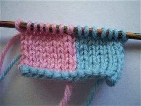 how to change colors in knitting how to change yarn colors correctly changing yarns
